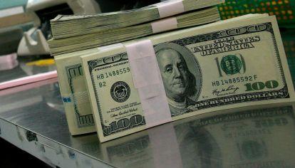 La divisa norteamericana subió levemente. Hubiera subido más si el BCRA no hubiese intervenido a futuro y con bancos amigos.
