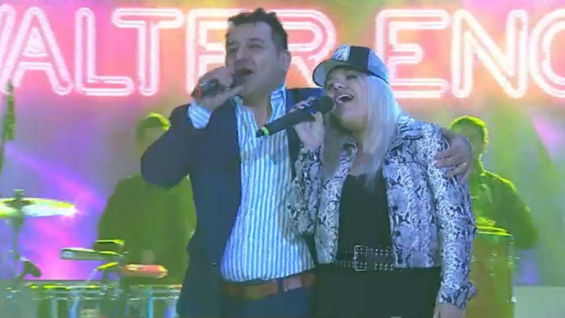 More Rial cantó en vivo con Wálter Encina en Pasión de Sábado