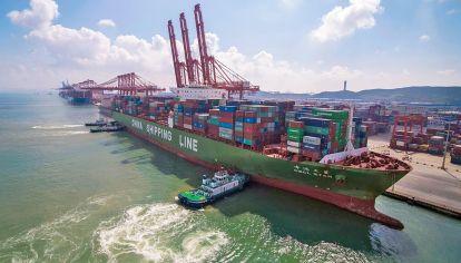 Potencias. La guerra comercial entre Estados Unidos y China aumenta la incertidumbre en un mundo global.