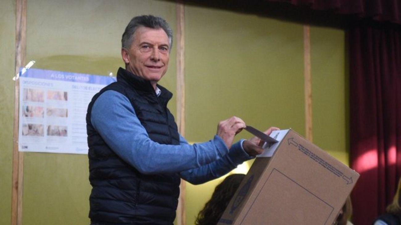 El presidente Mauricio Macri votó este 11 de agosto en una escuela de Palermo.
