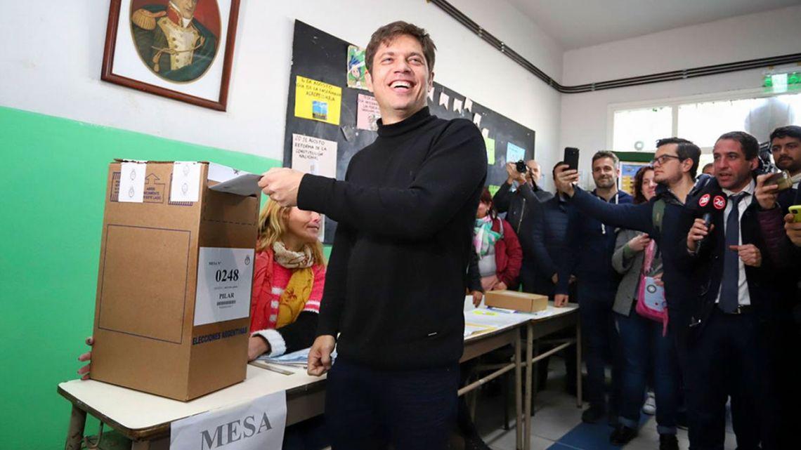 Frente de Todos provincial candidate Axel Kicillof votes during August 11 PASO.