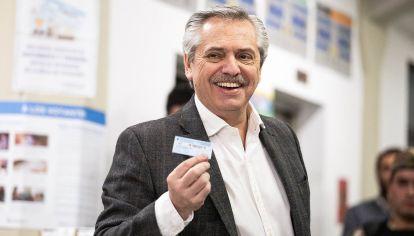 Alberto Fernández tras votar.