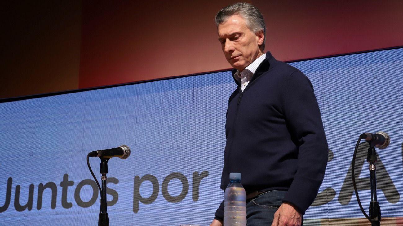 Bloomberg: los bonos argentinos caen por los controles de capital y la crisis empeora