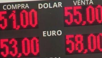 Tras la paso, el dólar supera los 50 pesos.