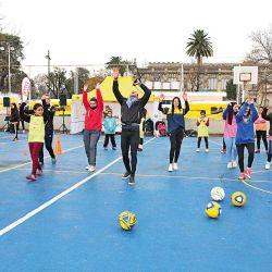 Clínica inclusiva de fútbol femenino