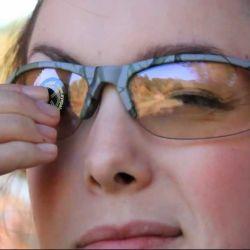 Algunas personas cierran su ojo dominante o usan anteojos con un trozo de cinta adhesiva en una lente para bloquear ese ojo: todo lo que están haciendo es perjudicarse.