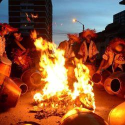 Las llamadas de carnaval son sus tambores templados al fuego.