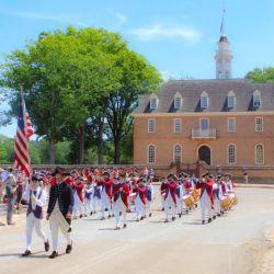 Las celebraciones patrias, como el 4 de Julio, tienen un escenario ideal en la ciudad colonial de Williamsburg, que fue escenario de luchas por la independencia.