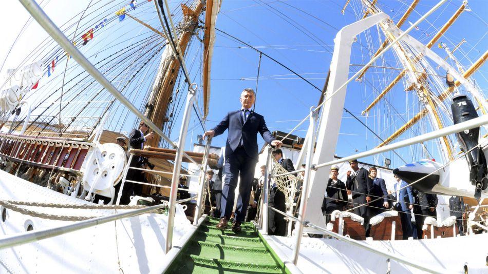 El presidente Mauricio Macri en la Fragata Libertad