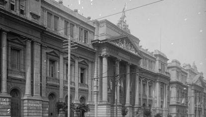 La antigua Facultad de Ciencias Médicas en 1923, hoy la sede de La Facultad de Ciencias Económicas.