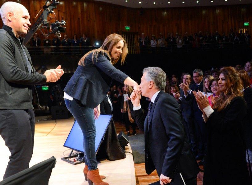 """Vidal y el """"Operativo Anti Desánimo"""": busca sumar dirigentes mientras rearma su vida privada"""