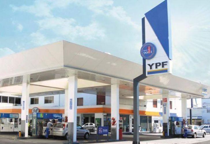 Por el congelamiento de las naftas, YPF perderá US$ 120 millones y reducirá inversiones