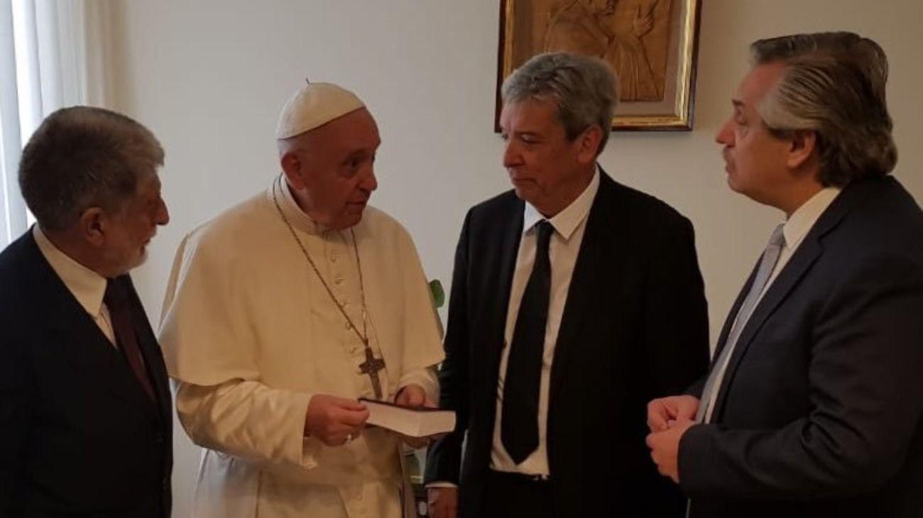 """Financial Times: """"El Papa Francisco alentó la reconciliación de Alberto con Cristina"""""""