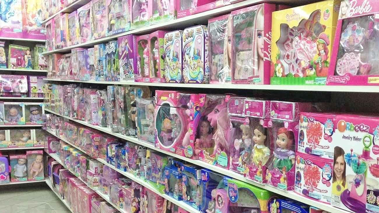 Divididos. Aunque las jugueterías promueven los juegos sin género, hay más opciones para ellas.