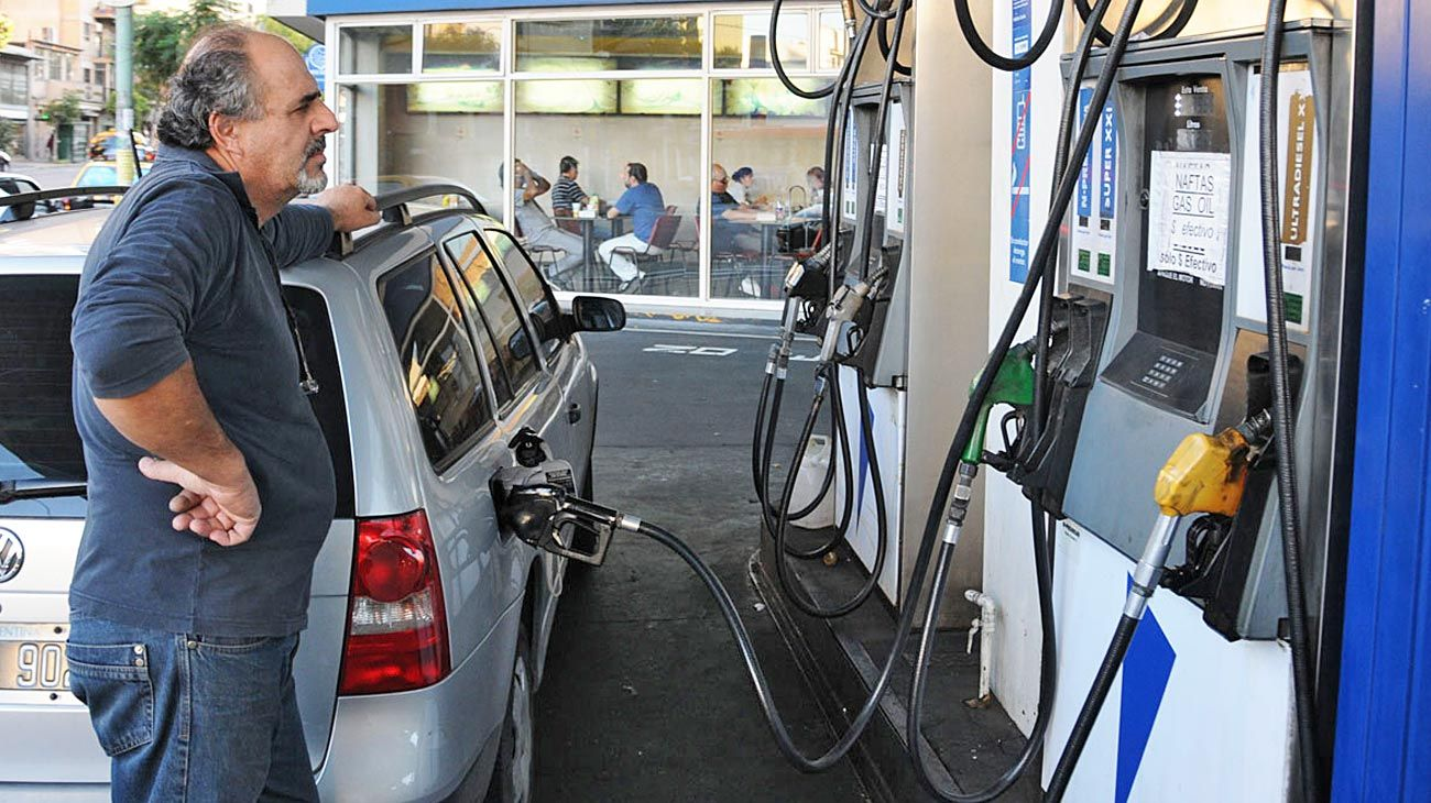 En la mira. Se fijaron las naftas al valor del dólar del 8 de agosto.