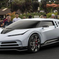 El Bugatti Centodieci se presentó en el Monterey Car Week, en California, EE.UU.