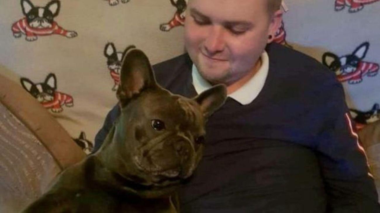 Un hombre falleció de cáncer y su perro murió 15 minutos después