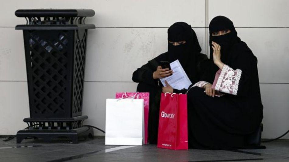 mujeres saudíes pasaportes 08222019