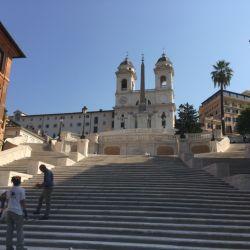Asi se verá en el futuro la popular Piazza Spagna de Roma.