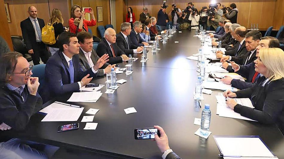 20192408_gobernadores_cfi_telam_g.jpg