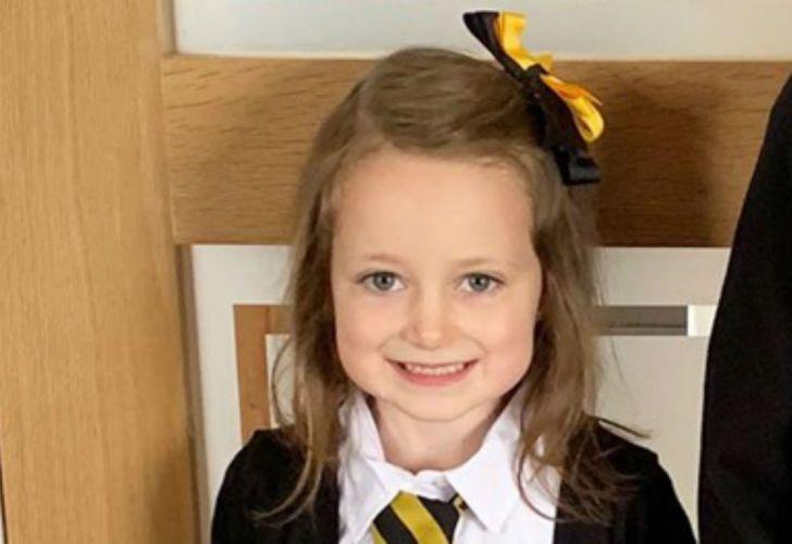 Lucie justo antes de ir al colegio por primera vez.