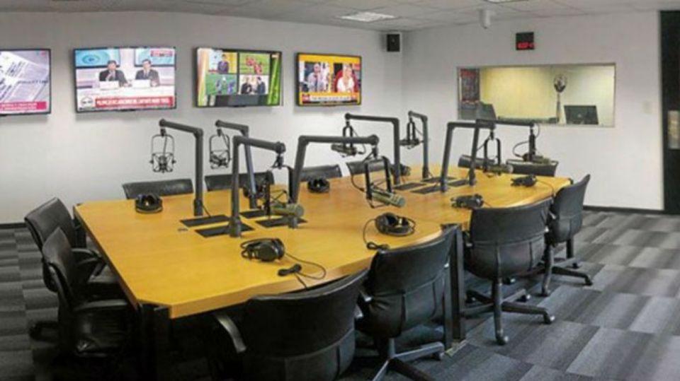 estudios radio 08272019