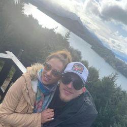 Las románticas vacaciones de Barby Silenzi y El Polaco en la nieve