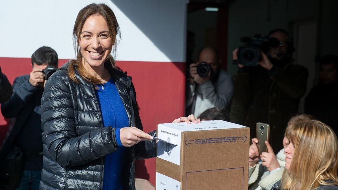 Buenos Aires Province Governor María Eugenia Vidal casts her votes in the PASO primaries.