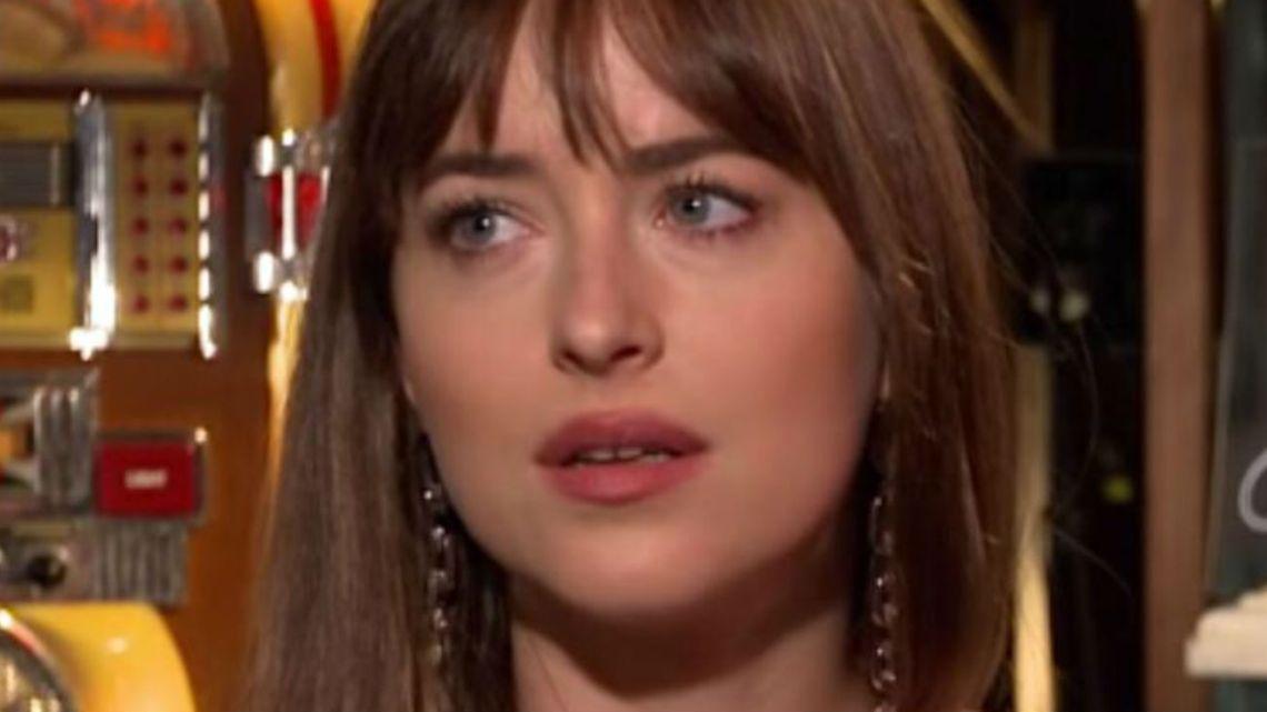 Dakota Johnson reveló que usa el nombre de Jeorge Clooney para hacer reservas en restaurantes