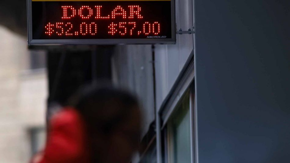 Dólar 08272019