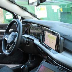Interior Volkswagen Golf VIII (Fuente: Motor 1)