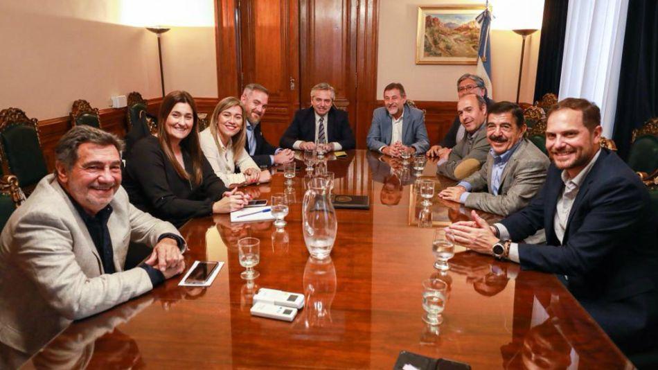 Alberto Fernández se reunió con el bloque del PJ
