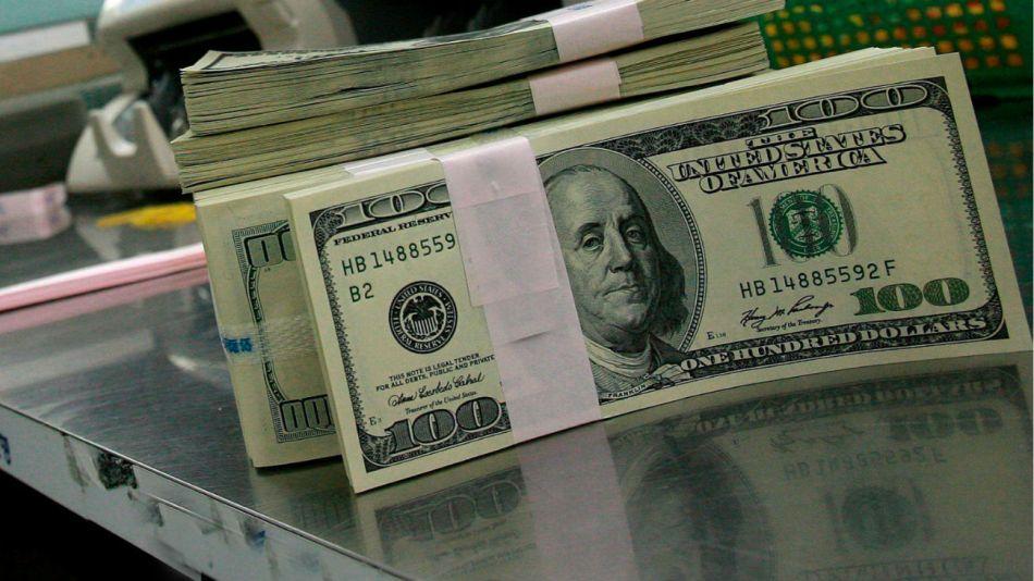El dólar mayorista cayó levemente y se ubicó en $ 57,90