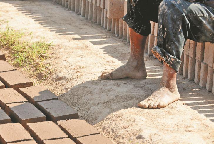 Un juicio desnuda la exclusión en los cortaderos de ladrillos