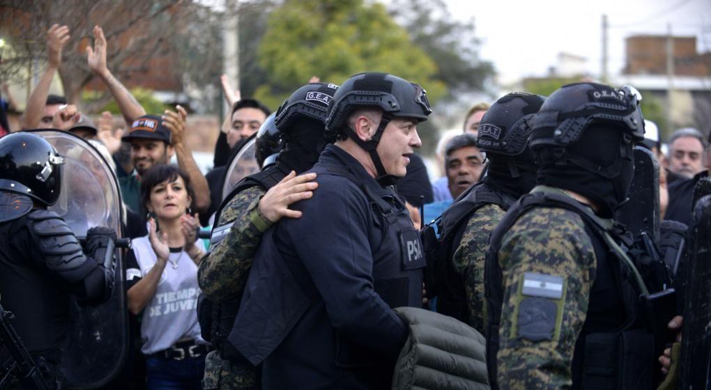 Mauricio Saillen mientras era detenido