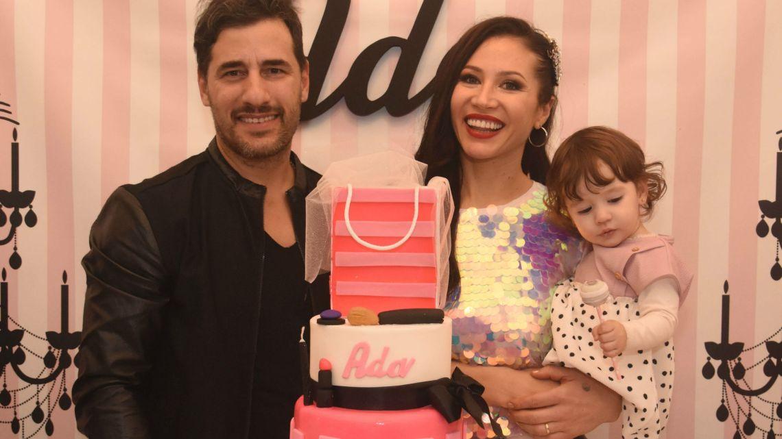 El excéntrico cumpleaños de Adabel Guerrero con pedido de matrimonio incluído