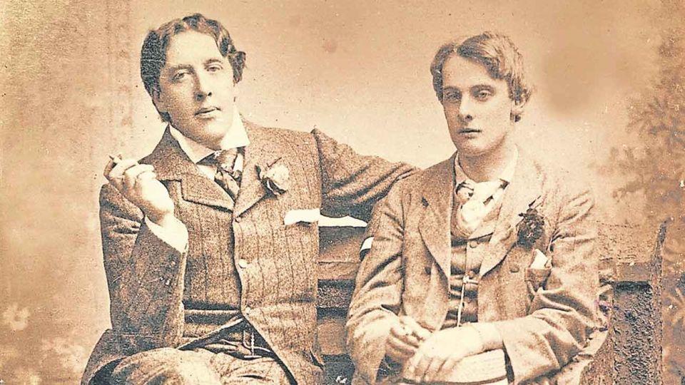 Dupla. Lord Alfred Douglas y Oscar Wilde se conocieron en 1891; Alfred tenía 21 años mientras que Wilde, 37.