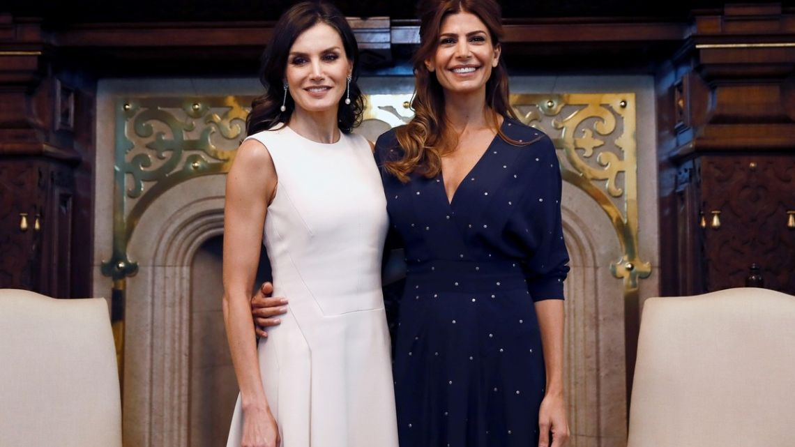 El look de Juliana Awada que la reina Letizia de España copió