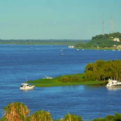 Todos los paranaenses son hijos del río y se refleja en la gran actividad náutica que realizan.