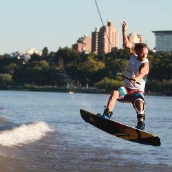Todos los deportes acuáticos reinan en las costas de Paraná.