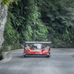 El Volkswagen ID.R completó el camino de la montaña de Tianmen Shan en 7:38.585 minutos.