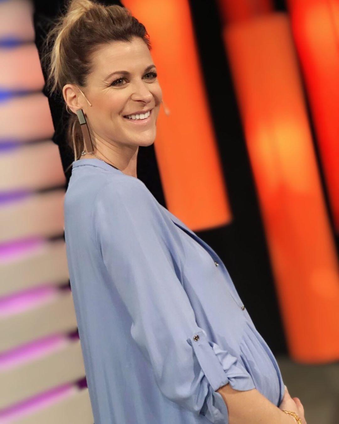 Caras   Eugenia Tobal habló de su embarazo: Me hace