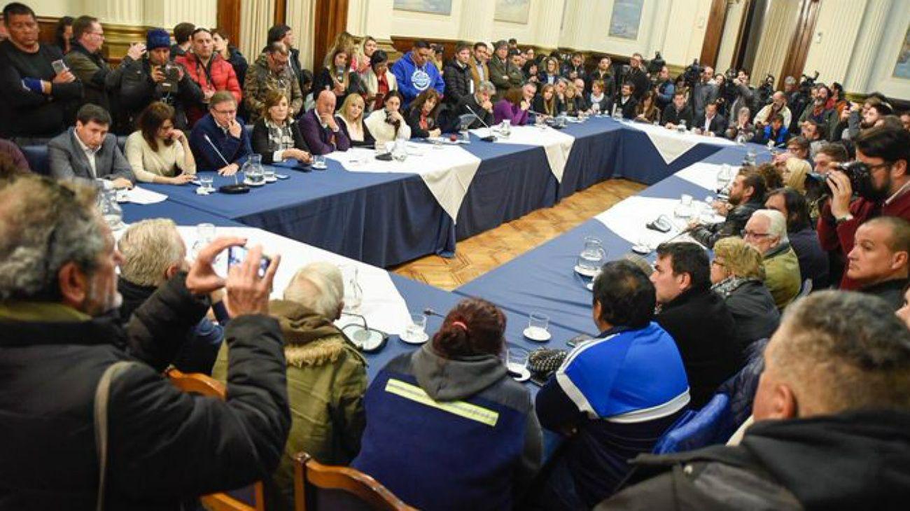 La reunión de diputados opositores con dirigentes de movimientos sociales este miércoles 4 de septiembre en el Congreso.