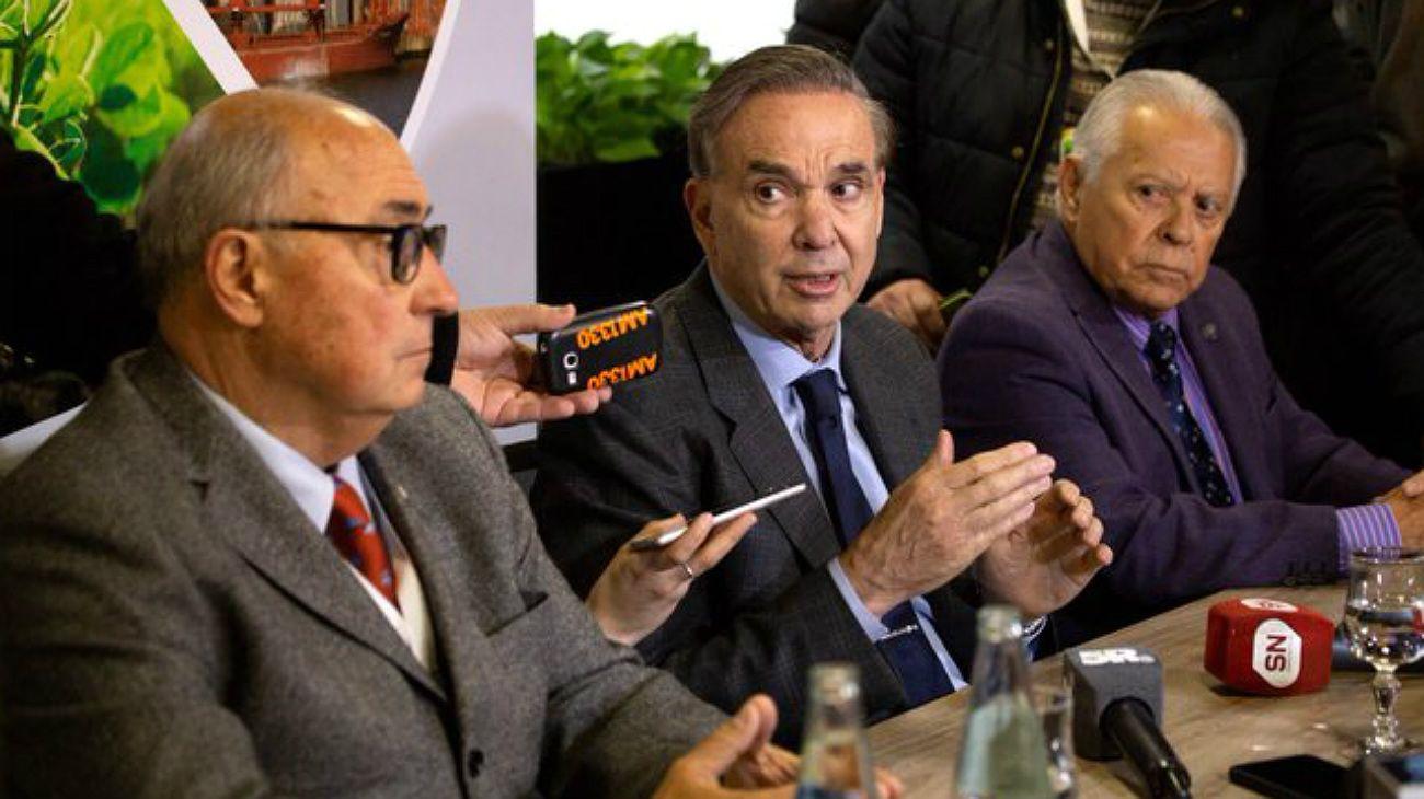 """Pichetto: """"Que Alberto Fernández no se ponga el traje azul que falta la elección más importante"""""""