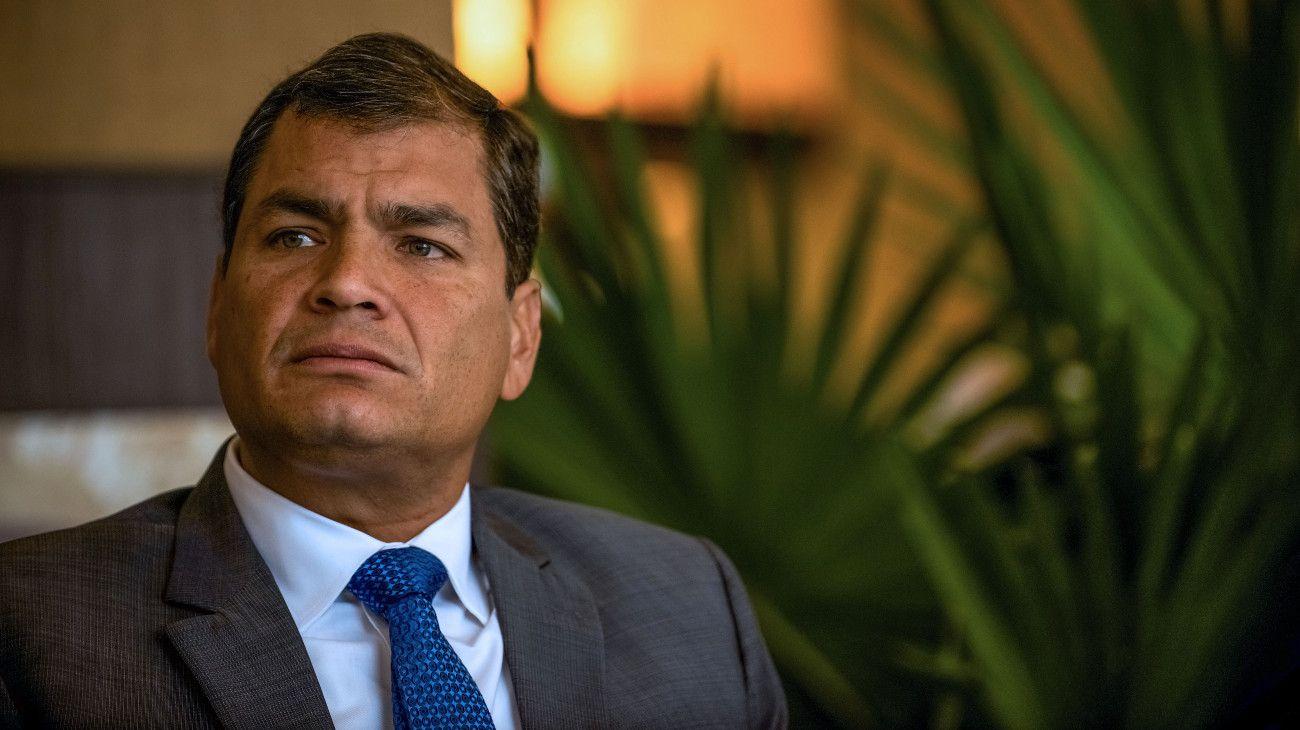 """Rafael Correa tiene su propia """"causa de los cuadernos"""" y acusa a la arrepentida de mentir"""
