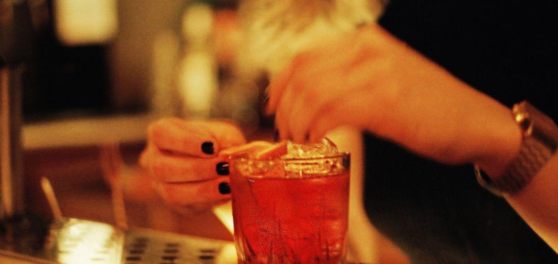 Boulevardier: el cocktail que invita a tomar whisky de una manera diferente