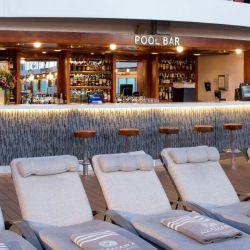 Pool Bar, un lugar para el descanso y el disfrute.