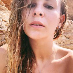 El sensual desnudo de Yanina Screpante en su viaje a Ibiza