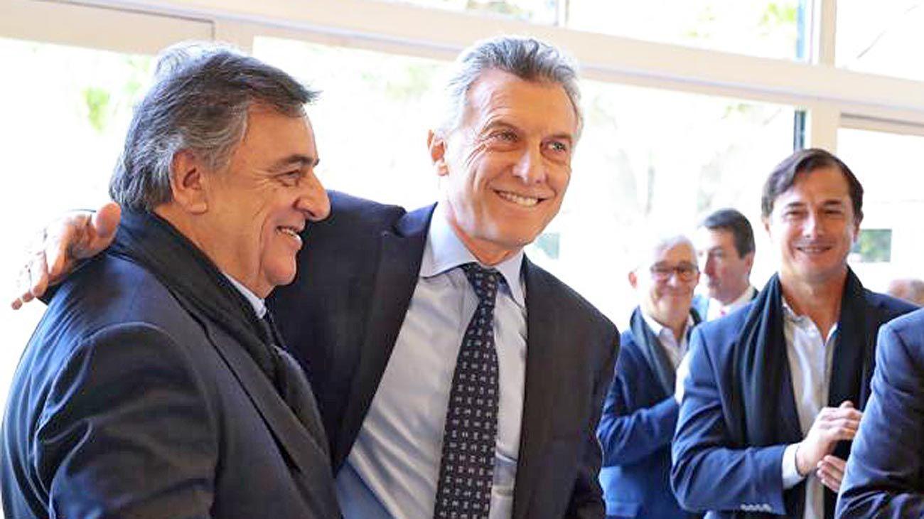 Coalición electoral, no de gobierno. Macri con Negri, uno de los radicales cercanos al PRO.