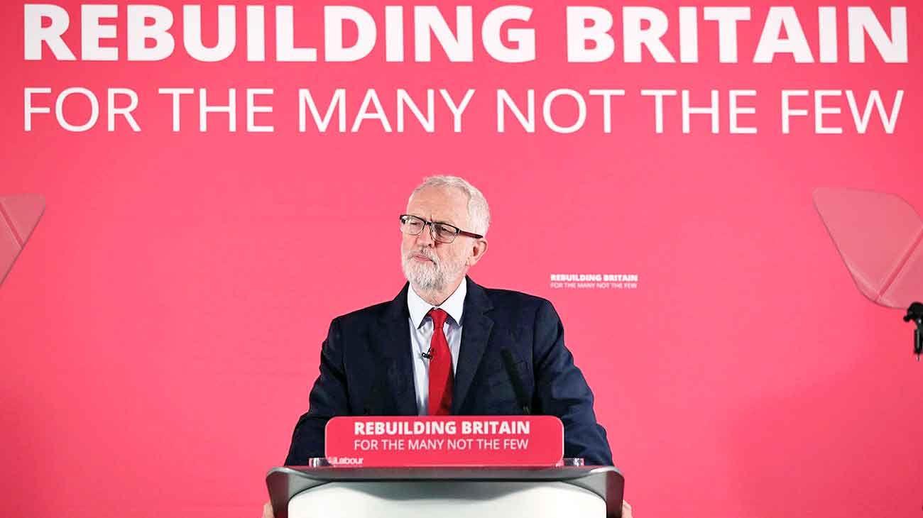 Estrategia. El líder de la oposición frustraría el plan de Johnson.